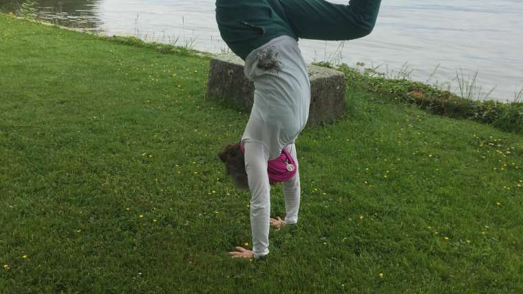 Handstand Laboratory with Cate
